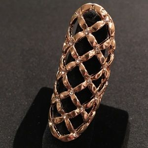 Jewelry - Gold Finger Guard Ring Size 7